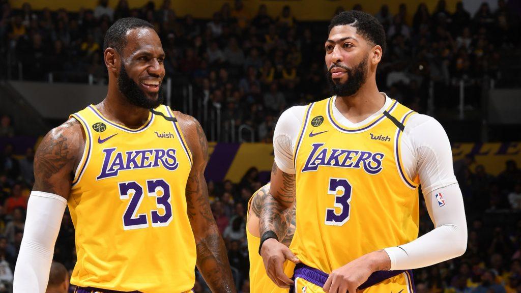 Anthony Davis se juntou a LeBron no Lakers