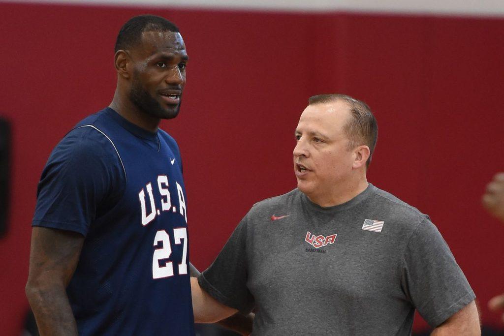LeBron James e Tom Thibodeau: os dois conversaram bastante quando LeBron ouviu a proposta do Bulls em 2010