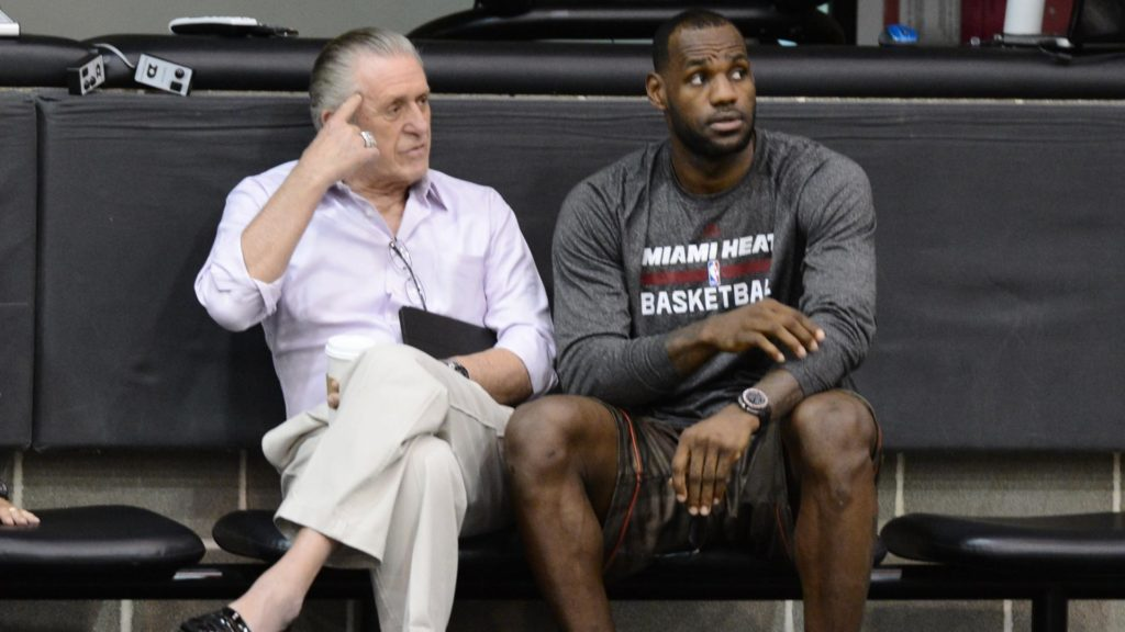 Pat Riley e LeBron James juntos no Miami Heat