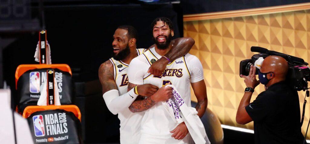 Lakers campeão da NBA: LeBron James e Anthony Davis comemoram no Jogo 6 das finais