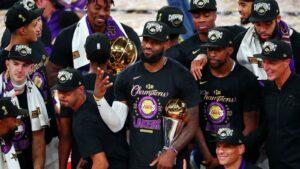 LeBron James comemora quarto título da carreira, o primeiro com o Lakers